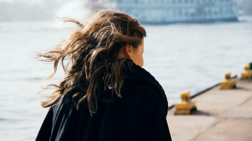 Telogenowe wypadanie włosów (u kobiet)